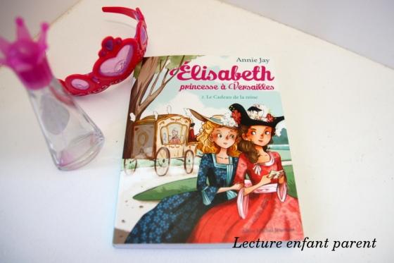 elisabeth-princesse-a-versailles-2-le-cadeau-a-la-reine